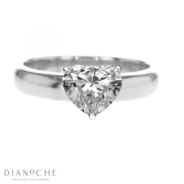 Heart shaped Diamond Engagement ring White Gold